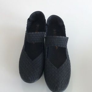 Bernie Mev wedge shoe